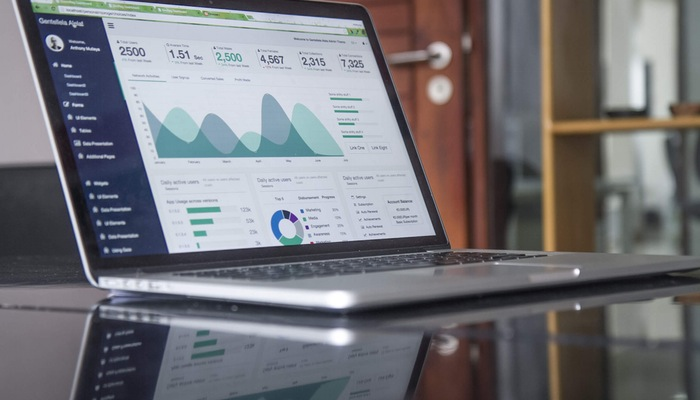 Do Marketing Analytics Really Help Small Business Growth?