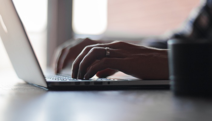 8 Reasons to Invest in Small Business Blogging